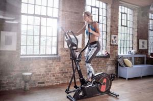 Træning med crosstrainer er en yderst effektiv måde at tabe fedt på