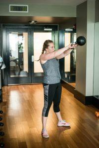 Træning med kettlebell forbedrer styrke, balance, fleksibilitet og koordination