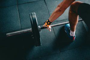 En vægtstang fås i mange forskellige typer