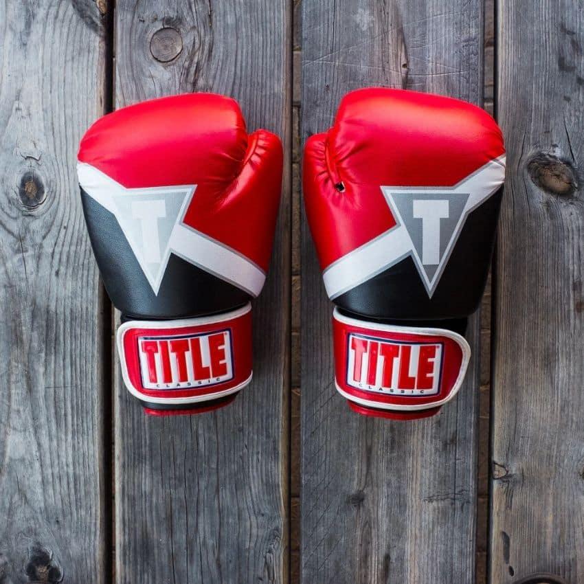 Røde boksehandsker